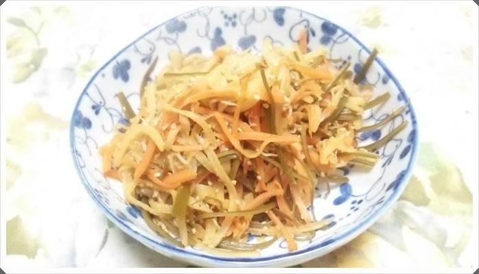 大根の皮でつくる簡単きんぴら~ビタミンCや食物繊維の栄養タップリ!