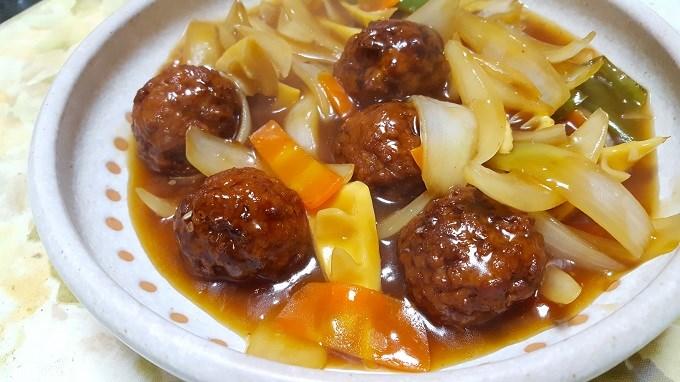 フライパン1つで出来る!スーパーのお惣菜で簡単肉団子甘酢煮