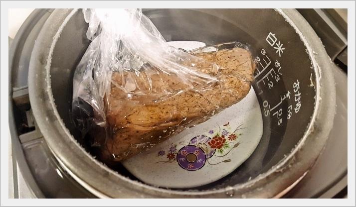 炊飯器で調理する簡単ローストビーフ