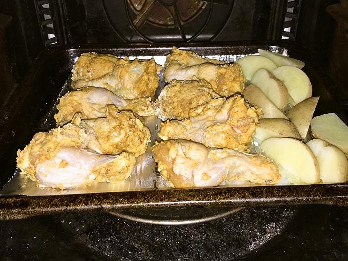オーブンが温まったら天板を入れて15~20分間焼いていく